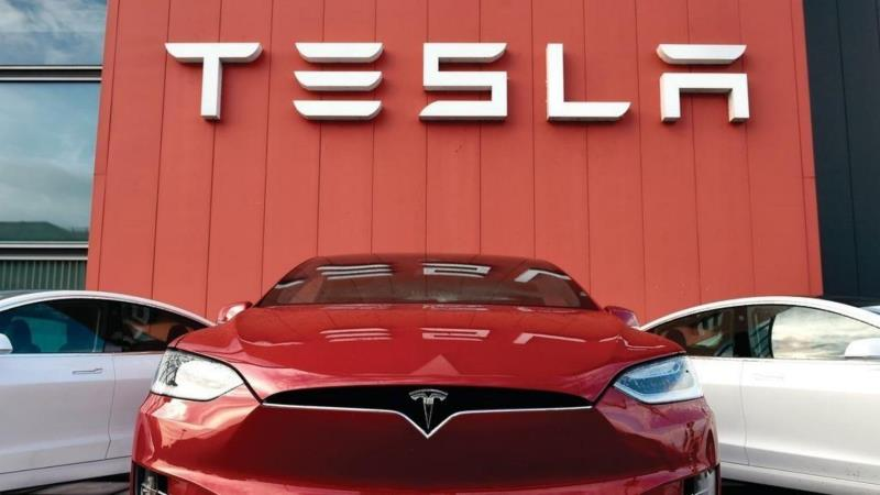 Основатель Tesla Илон Маск за день потерял почти $9 млрд