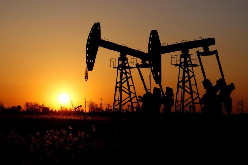 Нефть дешевеет на информации о новом виде коронавируса