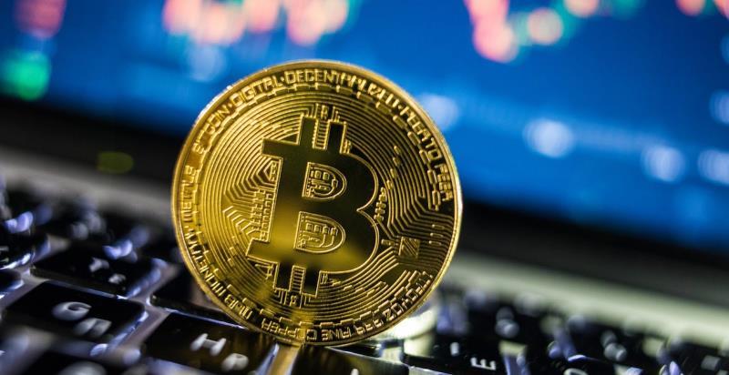 Эксперты: биткоин может преодолеть цену в 50000 долларов