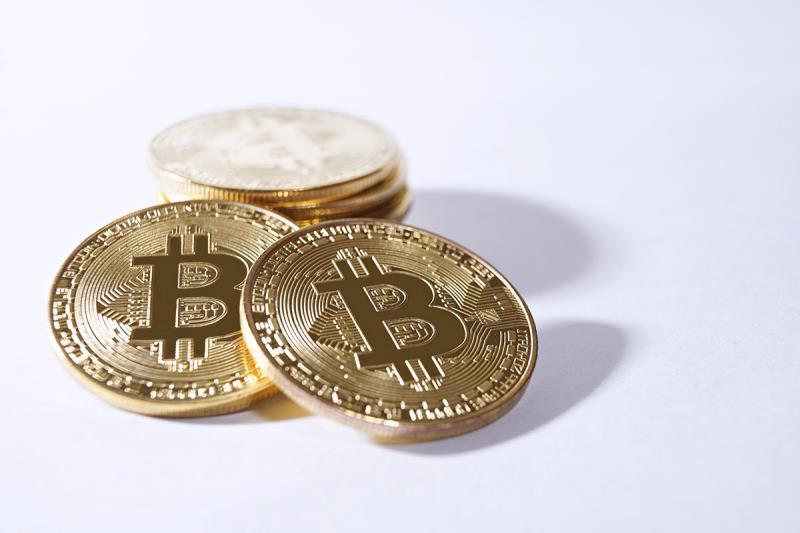 Аналитики не ожидают падения курса биткоина в ближайшее время