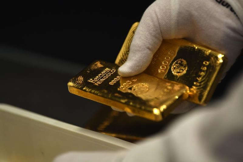 Центральные банки мира в январе-мае закупили 296,8 тонны золота