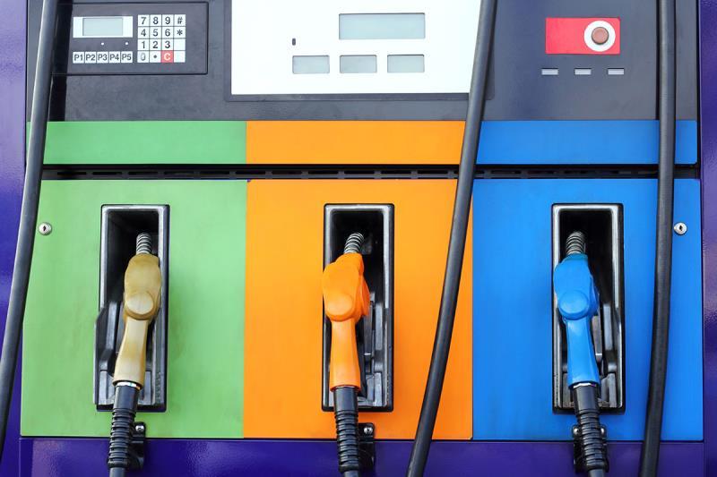 В США растет стоимость бензина на опасениях снижения предложения