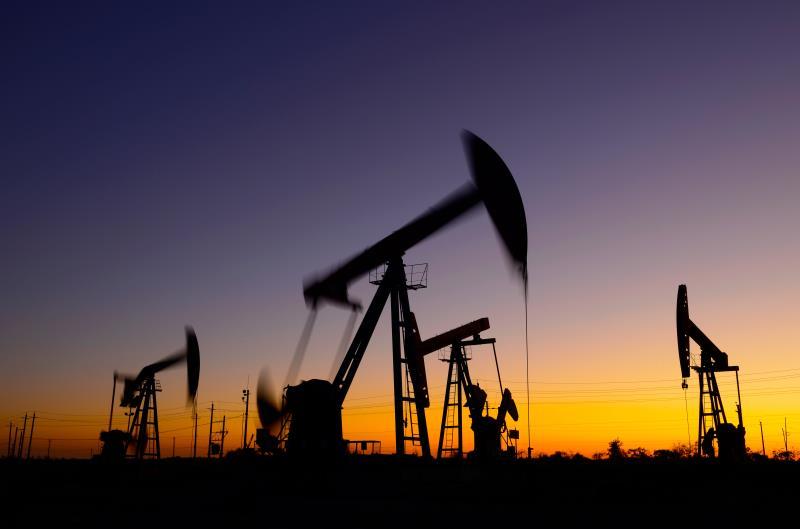Цены на нефть растут после сильного падения