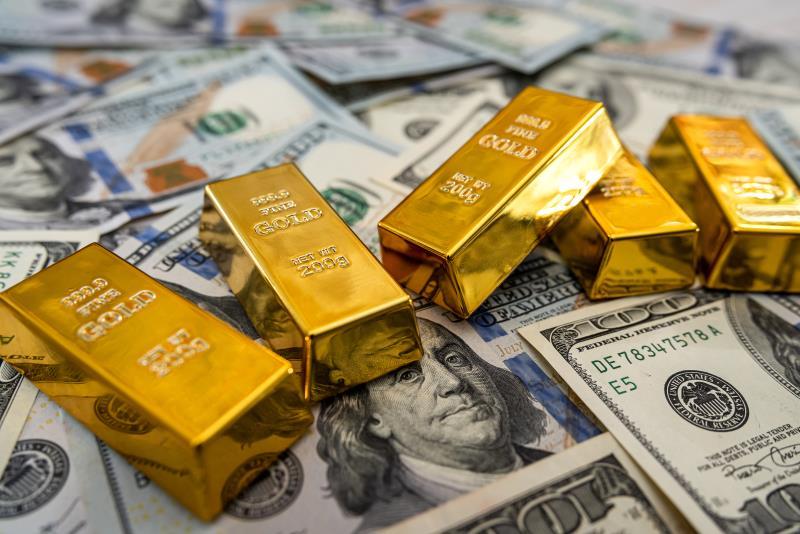Цены на золото меняются на фоне ослабления доллара