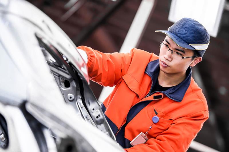 Toyota инвестирует в разработку батарей для электромобилей